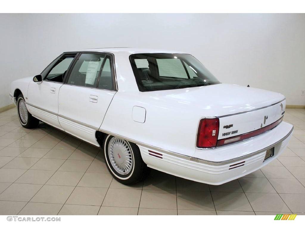 1995 bright white oldsmobile ninety eight elite 24493765 photo 5 car color. Black Bedroom Furniture Sets. Home Design Ideas