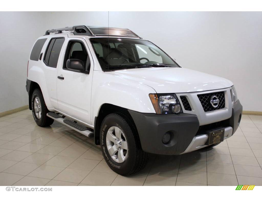 2009 avalanche white nissan xterra s 4x4 24493767. Black Bedroom Furniture Sets. Home Design Ideas