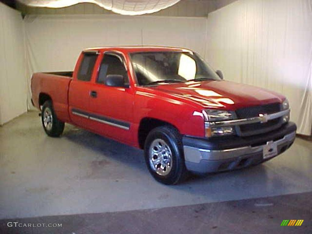 2005 Silverado 1500 Extended Cab - Victory Red / Dark Charcoal photo #1