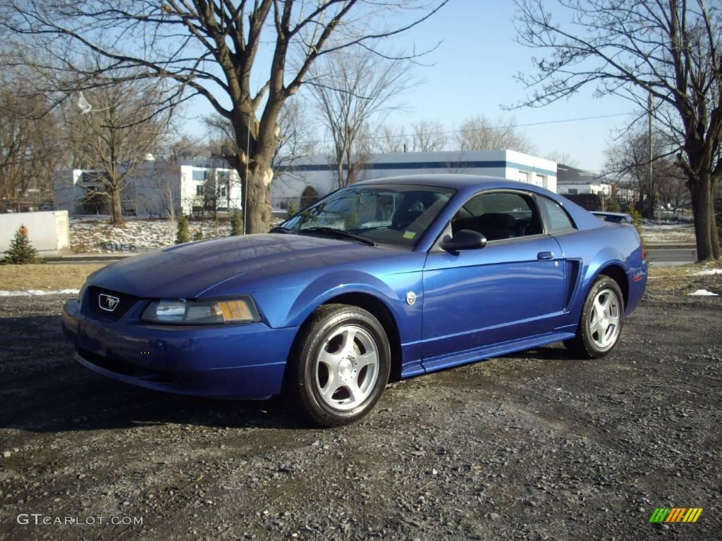 Coupe Metallic Blue V6 24753295 Ford 2004 Sonic Mustang