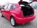 2005 Infra-Red Ford Focus ZX5 SE Hatchback  photo #15