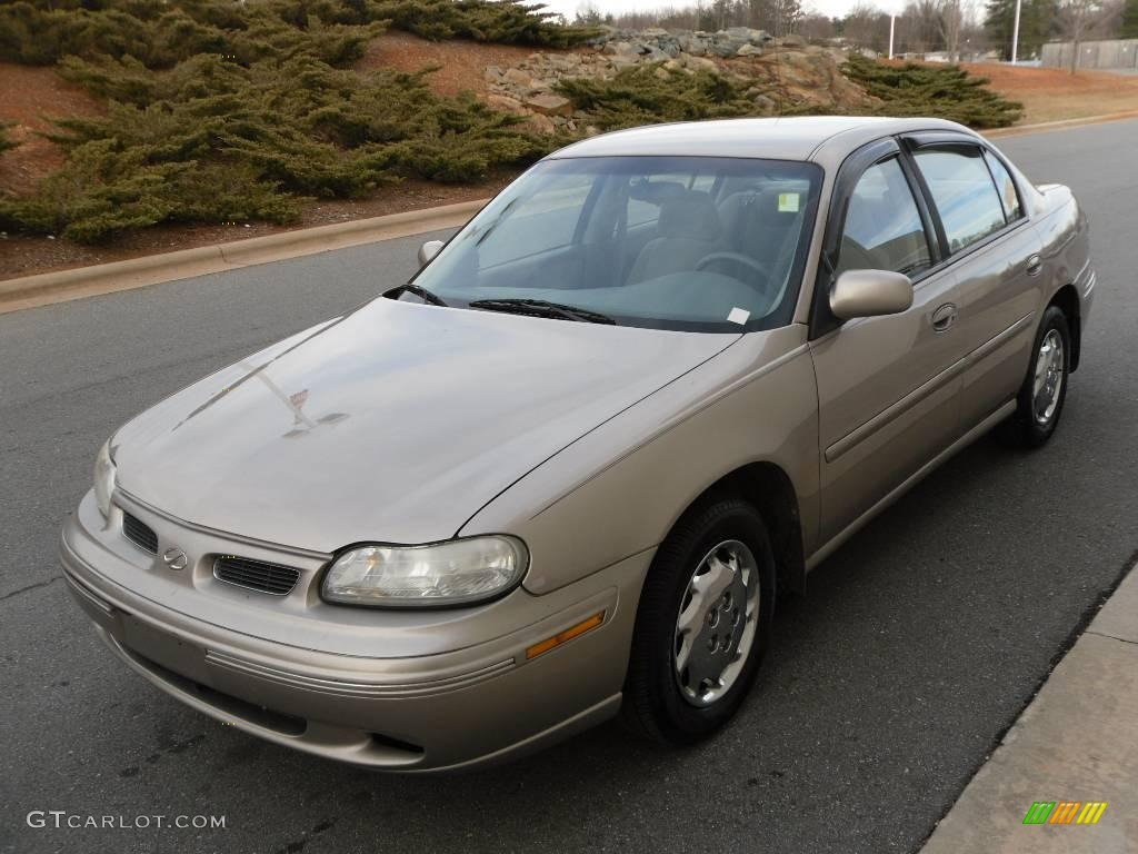1999 sand beige metallic oldsmobile cutlass gl 24945436 gtcarlot com car color galleries gtcarlot com