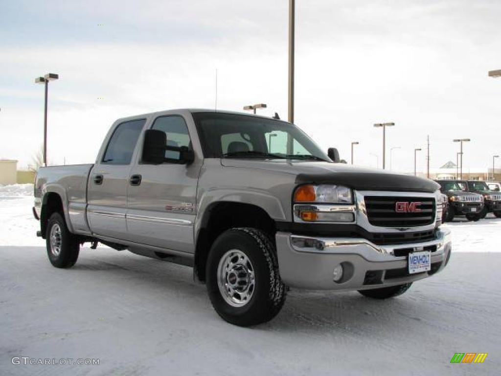 2007 Sierra 2500HD Classic SLT Crew Cab 4x4 - Silver Birch Metallic / Medium Gray photo #5