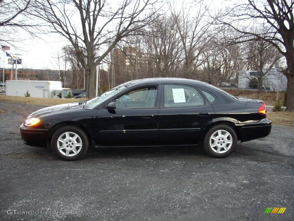 Black ford taurus