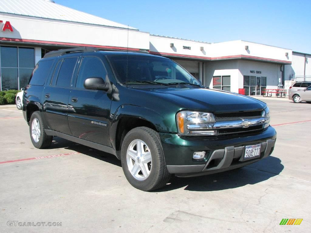 Dark green metallic chevrolet trailblazer