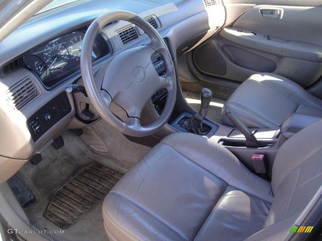 Oak Interior 1999 Toyota Camry Le V6 Photo 25721536