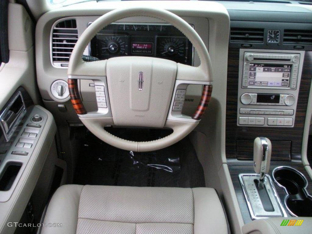 2007 Lincoln Navigator Luxury Stone Dashboard Photo #25751373