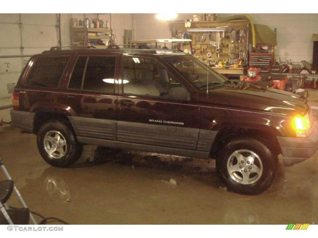 1996 Grand Cherokee Laredo 4x4 - Dark Rosewoood Pearlcoat / Agate photo #1
