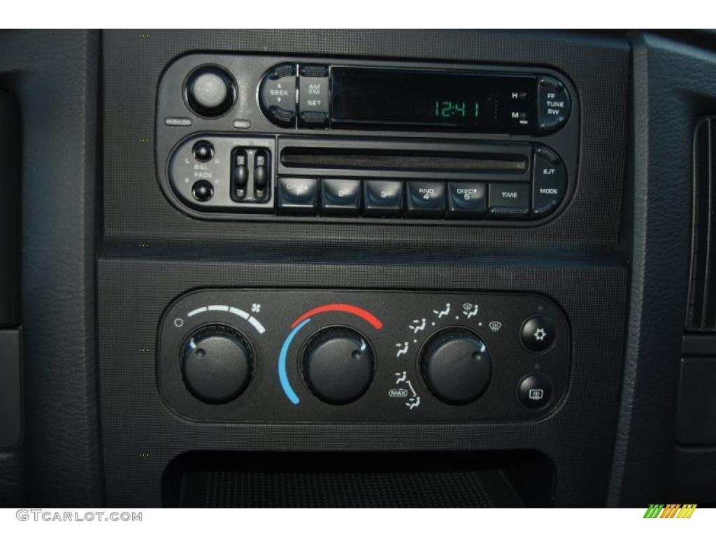 2002 Ram 1500 SLT Quad Cab - Bright Silver Metallic / Dark Slate Gray photo #22