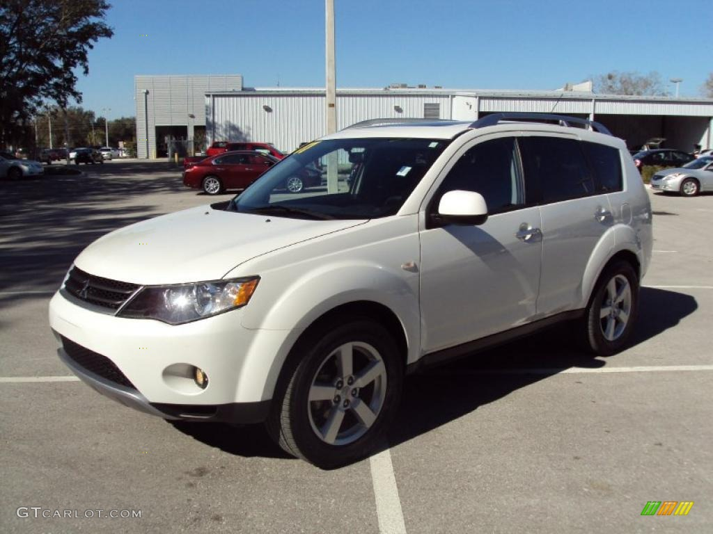 2007 diamond white pearl mitsubishi outlander xls. Black Bedroom Furniture Sets. Home Design Ideas
