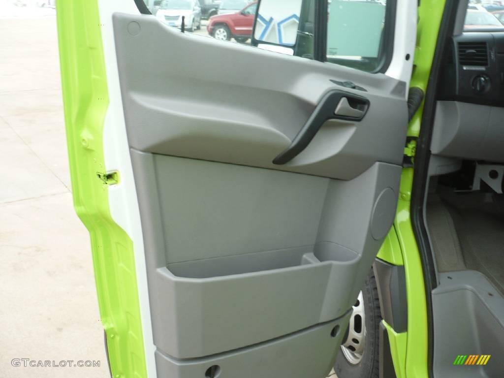 2008 lime green dodge sprinter van 3500 chassis commercial 25999671 photo 11. Black Bedroom Furniture Sets. Home Design Ideas