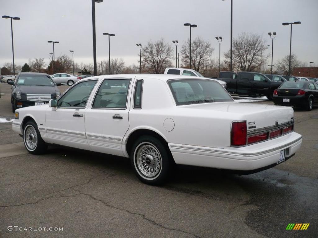 1996 Performance White Lincoln Town Car Executive 26068173 Photo 4