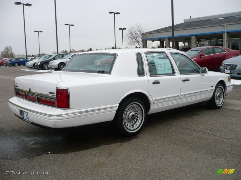 1996 Performance White Lincoln Town Car Executive 26068173 Photo 6