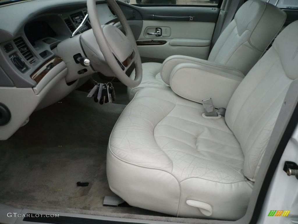 1996 performance white lincoln town car executive 26068173 photo 9 car color. Black Bedroom Furniture Sets. Home Design Ideas