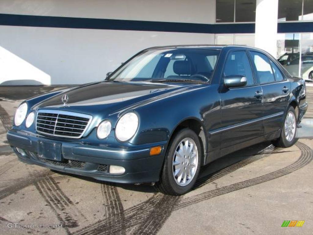 2000 E 320 4Matic Sedan
