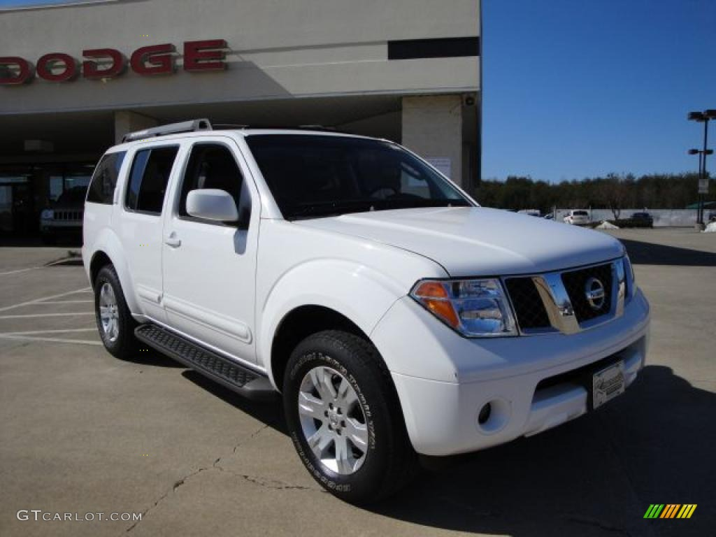 2007 avalanche white nissan pathfinder le 4x4 26177522. Black Bedroom Furniture Sets. Home Design Ideas