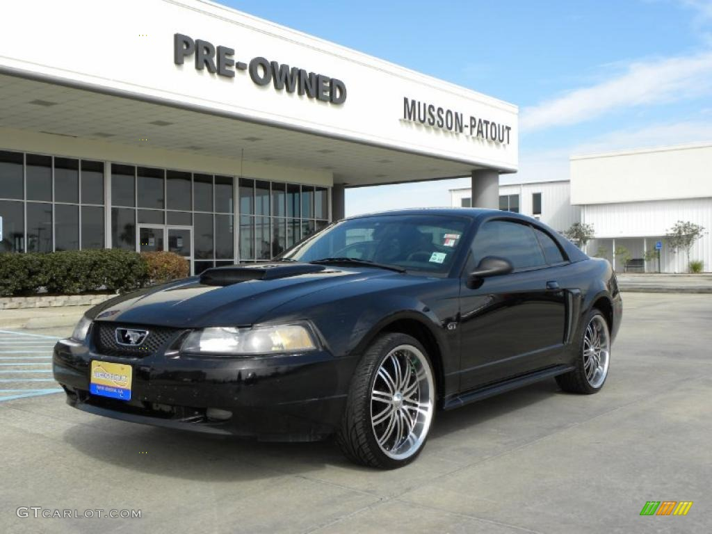 2002 Mustang GT Coupe - Black / Dark Charcoal photo #1