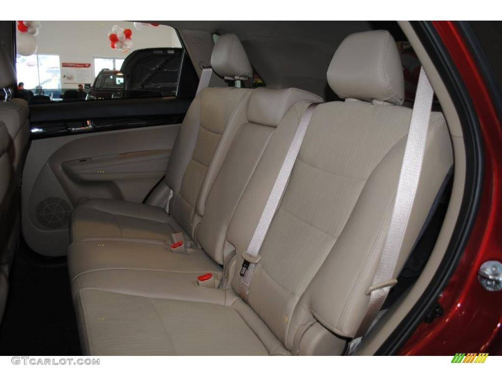 2011 Sorento EX AWD - Spicy Red / Beige photo #18