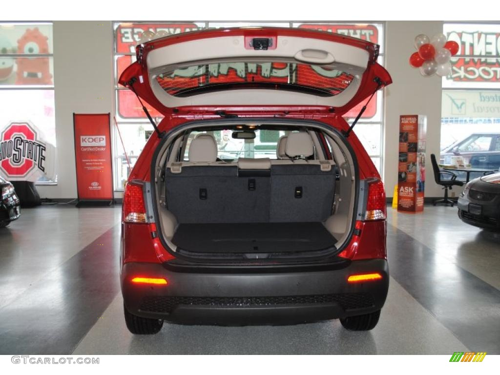 2011 Sorento EX AWD - Spicy Red / Beige photo #28
