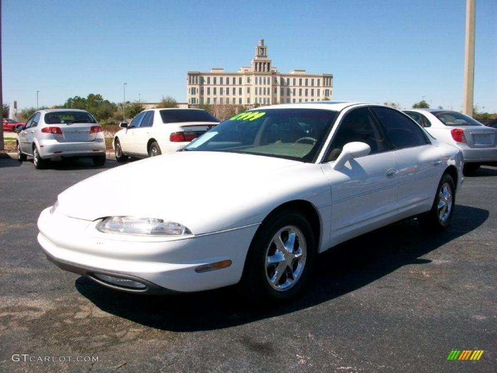 1997 oldsmobile aurora interior