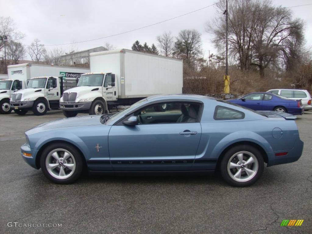 2007 Mustang V6 Premium Coupe - Vista Blue Metallic / Light Graphite photo #10