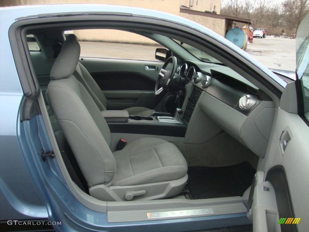 2007 Mustang V6 Premium Coupe - Vista Blue Metallic / Light Graphite photo #19