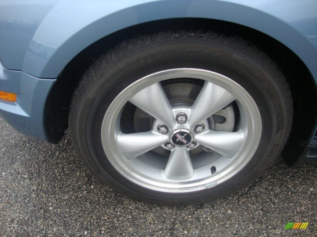 2007 Mustang V6 Premium Coupe - Vista Blue Metallic / Light Graphite photo #24