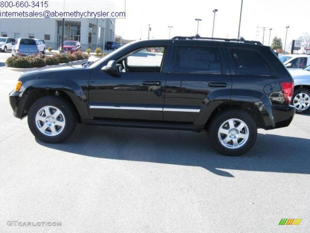 2010 brilliant black crystal pearl jeep grand cherokee laredo 26778575 car. Black Bedroom Furniture Sets. Home Design Ideas