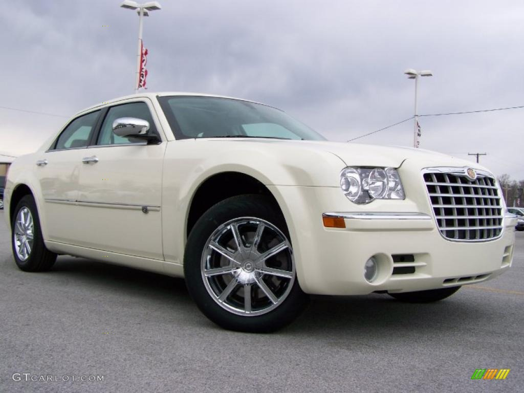 2010 cool vanilla white chrysler 300 c hemi awd 26935276 car color galleries. Black Bedroom Furniture Sets. Home Design Ideas