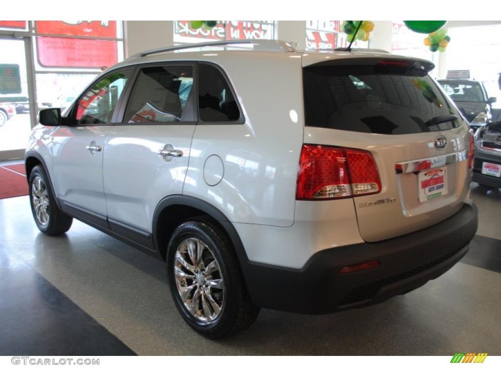 2011 Sorento EX AWD - Bright Silver / Black photo #5