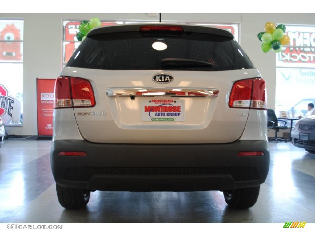 2011 Sorento EX AWD - Bright Silver / Black photo #7