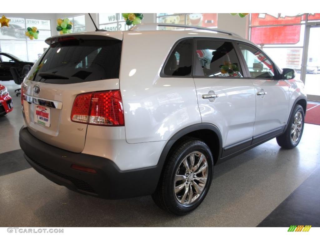 2011 Sorento EX AWD - Bright Silver / Black photo #8