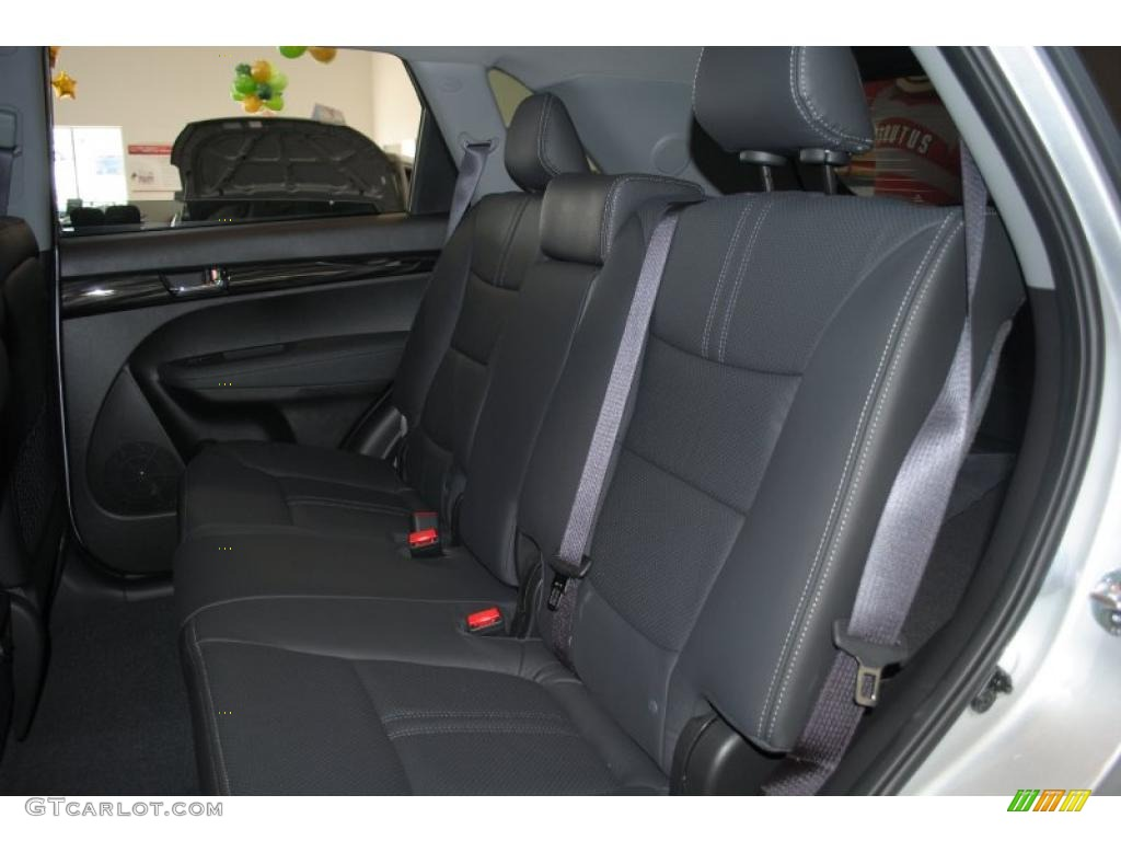 2011 Sorento EX AWD - Bright Silver / Black photo #19