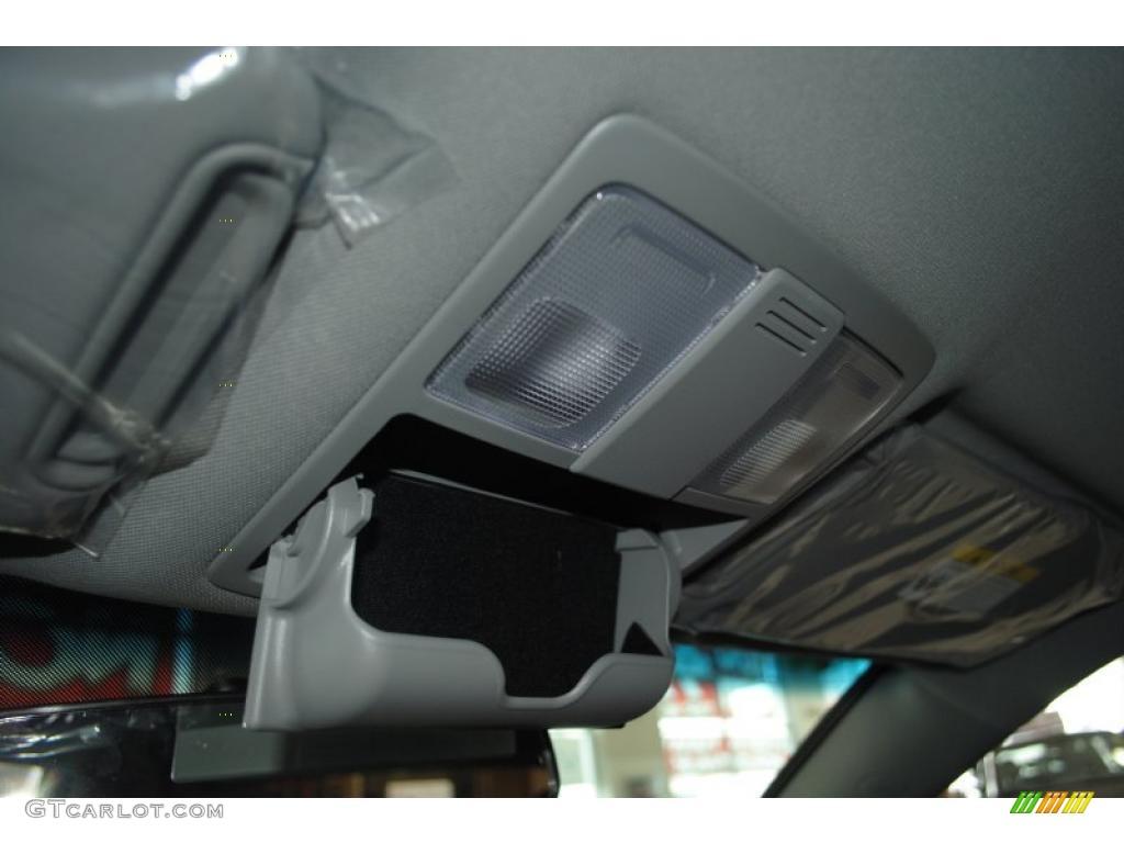 2011 Sorento EX AWD - Bright Silver / Black photo #38