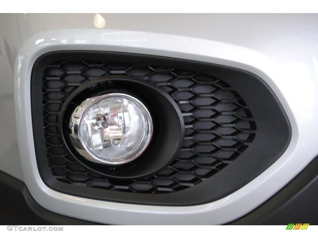 2011 Sorento EX AWD - Bright Silver / Black photo #54
