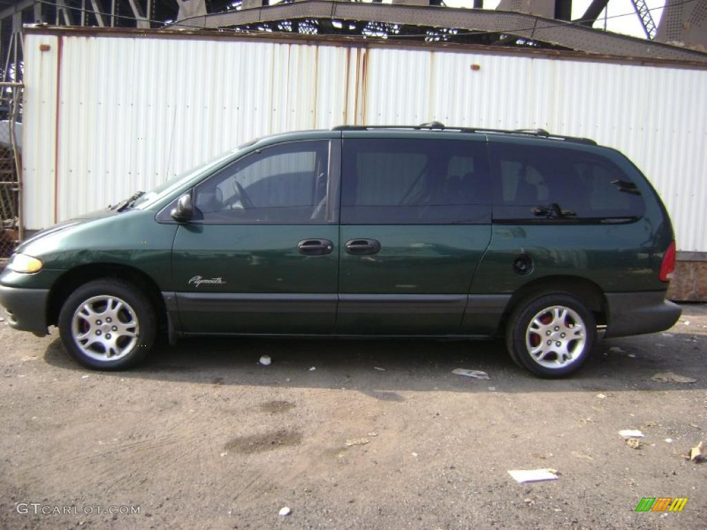 Forest green pearl plymouth grand voyager