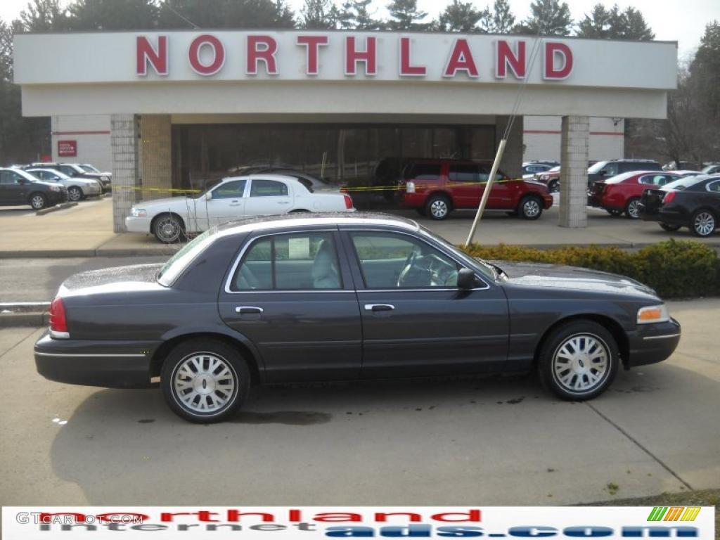 Dark Blue Pearl Metallic Ford Crown Victoria LX - 2004 crown victoria