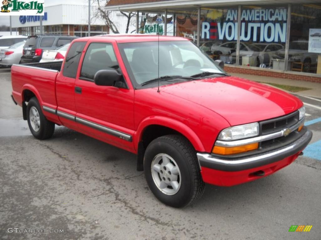 2003 Victory Red Chevrolet S10 Ls Extended Cab 4x4 27113461
