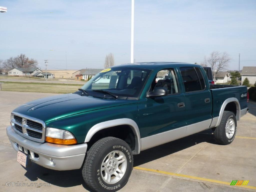 2004 Dakota SLT Quad Cab 4x4 - Timberline Green Pearl / Dark Slate Gray photo #1