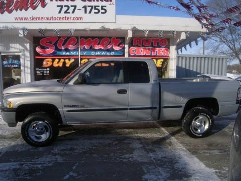 1999 Dodge Ram 1500 ST Extended Cab 4x4 Data, Info and Specs