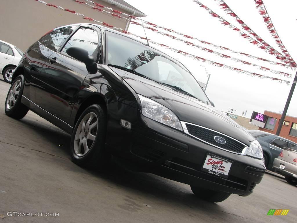 2005 Focus ZX3 SE Coupe - Pitch Black / Dark Flint/Light Flint photo #4