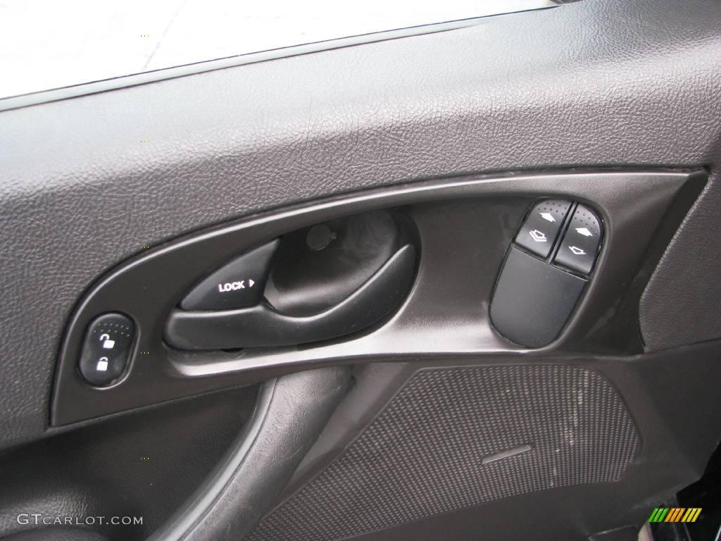 2005 Focus ZX3 SE Coupe - Pitch Black / Dark Flint/Light Flint photo #27