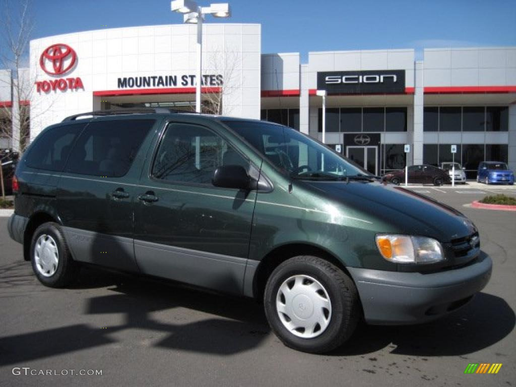 307876bfd17358 2000 Woodland Pearl Green Metallic Toyota Sienna LE  27448980 Photo ...