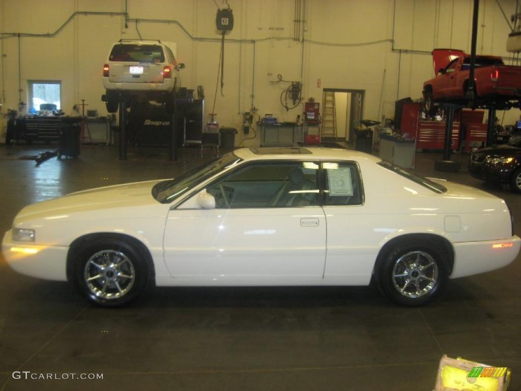 2002 White Diamond Cadillac Eldorado Etc Collector Series 27499387 Car Color