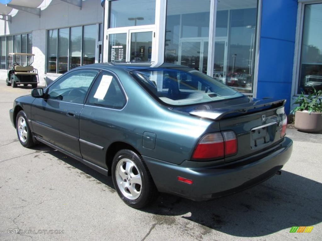 1996 Accord LX Coupe   Dark Eucalyptus Green Pearl Metallic / Gray Photo #6