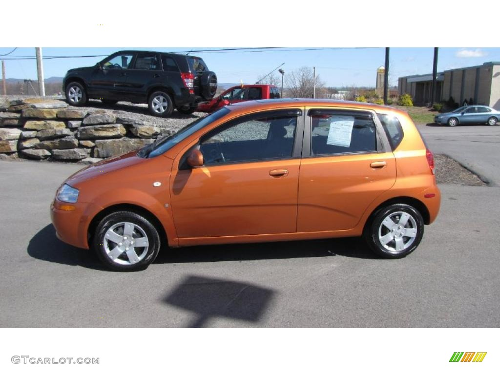 2007 spicy orange chevrolet aveo 5 ls hatchback 27544725. Black Bedroom Furniture Sets. Home Design Ideas