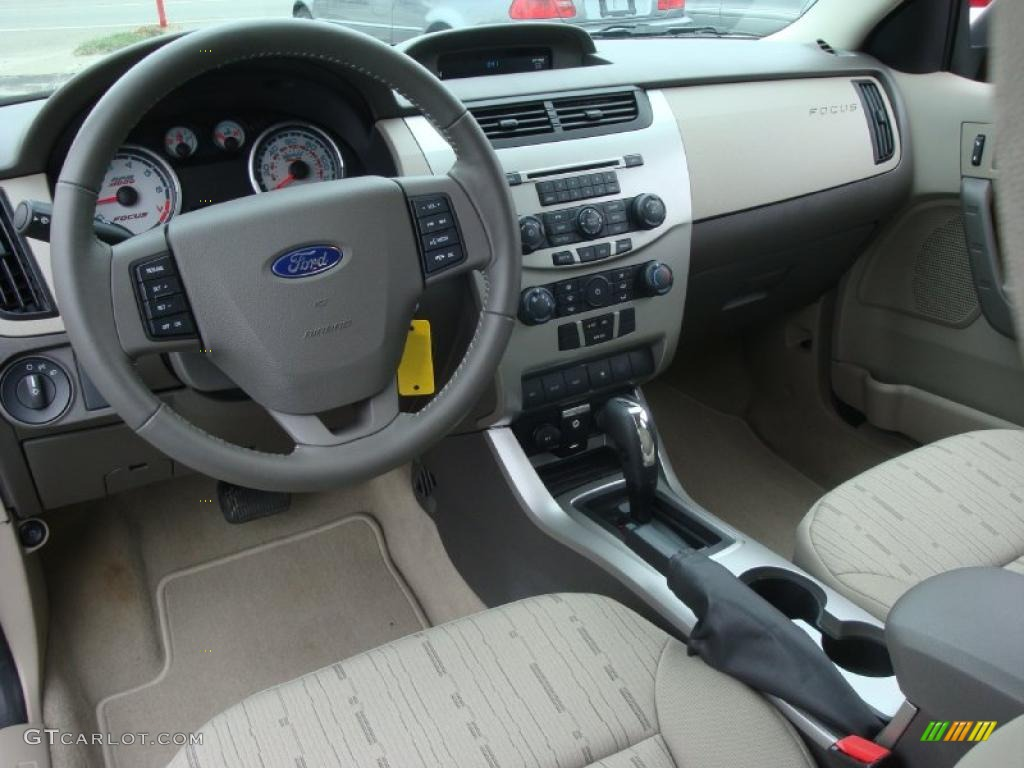 Medium Stone Interior 2010 Ford Focus Se Sedan Photo