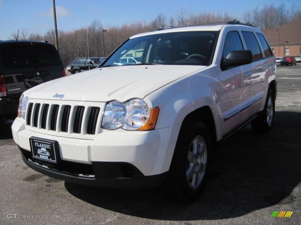 2010 stone white jeep grand cherokee laredo 4x4 #27805091