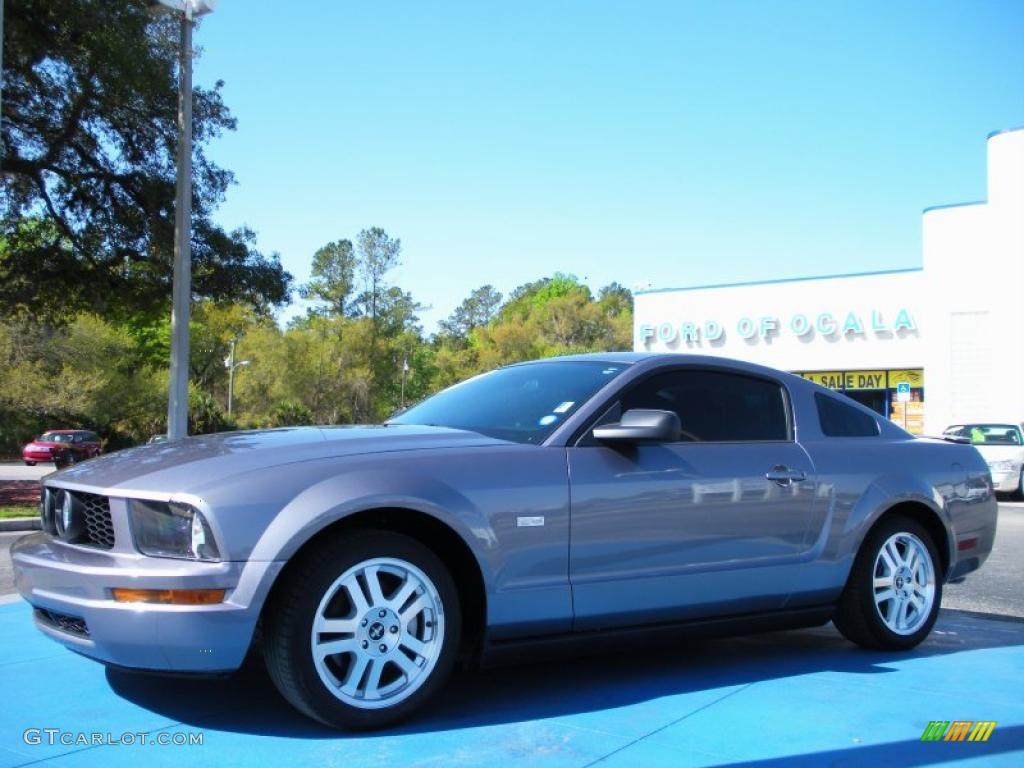2007 Mustang V6 Premium Coupe - Tungsten Grey Metallic / Dark Charcoal photo #1