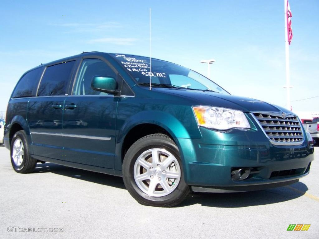 2009 melbourne green pearl chrysler town country touring. Black Bedroom Furniture Sets. Home Design Ideas
